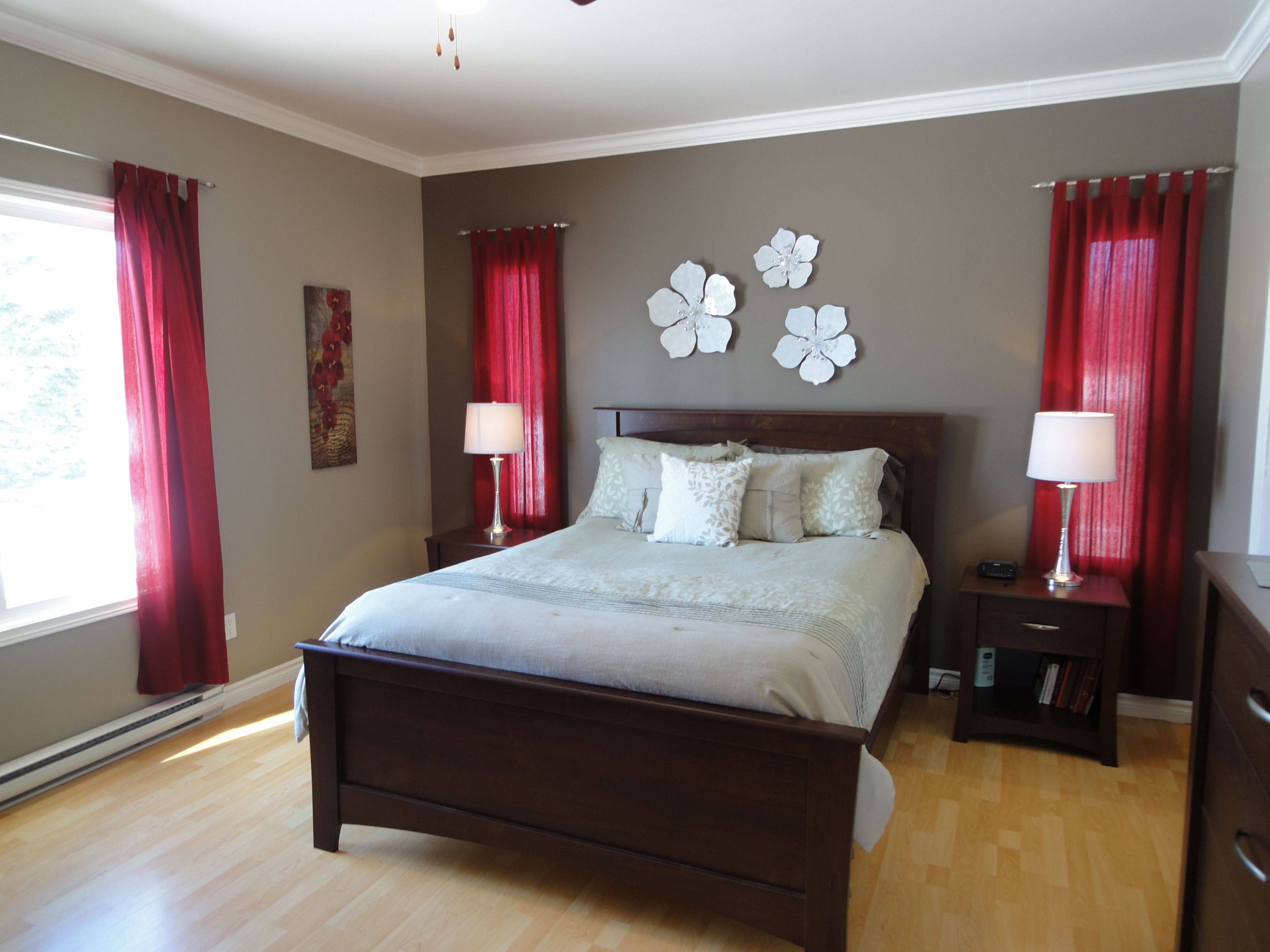 Red Bedrooms Walls Fresh I Just Decorated Our Guest Bedroom with Red Accents I Would