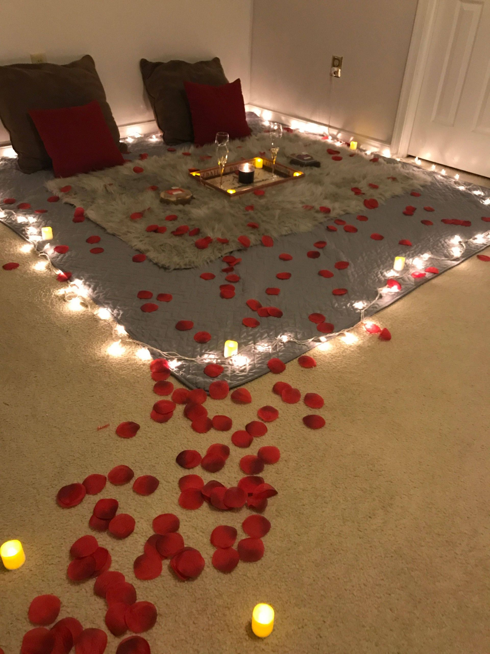 Image of: Romantic Room Decoration For Anniversary Home Diy